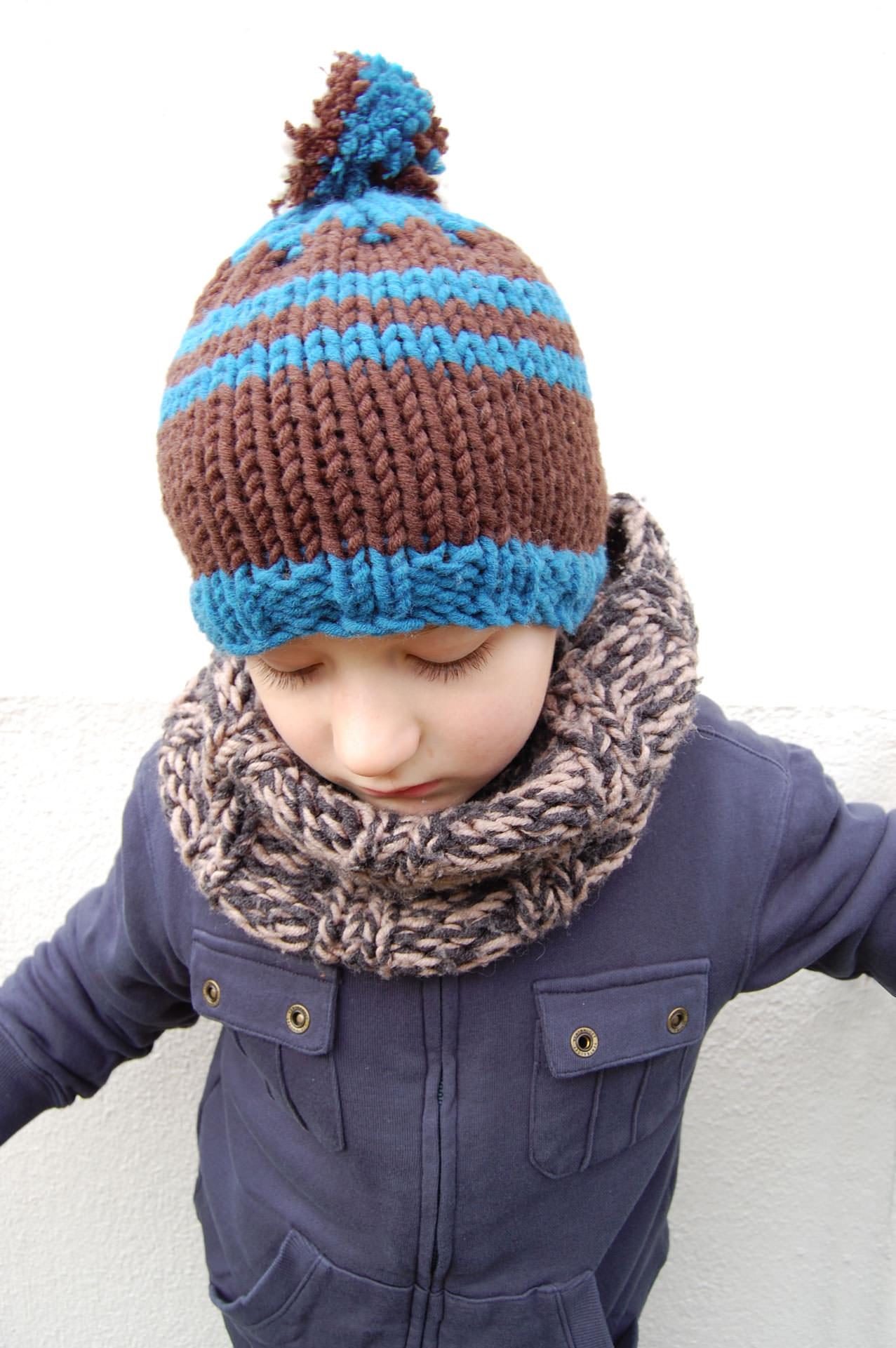 Modèle bonnet à pompon - MADLAINE   Mad laine a9a2384c673