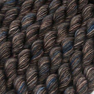 Laine mérinos Unicorn Tails Whiskey Barrel 255