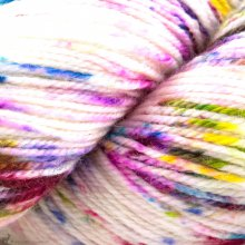 Adorn Luxe Kaleidoscope - Three Irish Girls Yarn